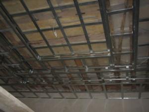 Особенности монтажа подвесного потолка