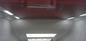 монтаж реечного потолка1