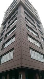 Монтаж вентилируемого фасада из керамогранита в г. Минске