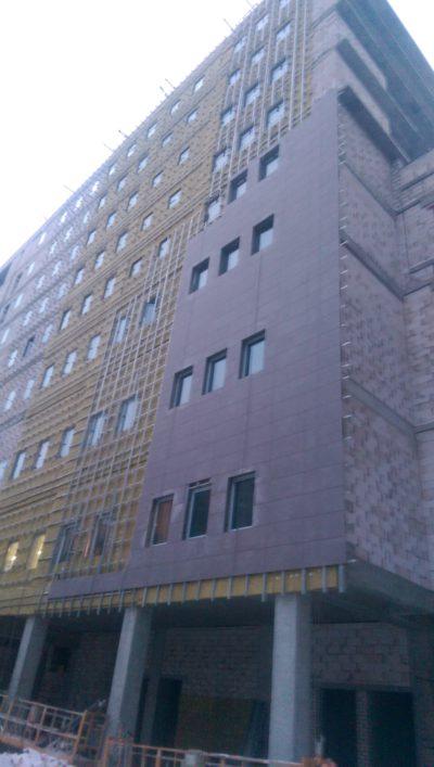 Монтаж вентилируемого фасада из керамогранита в Могилеве